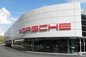 Devanture établissement Porsche